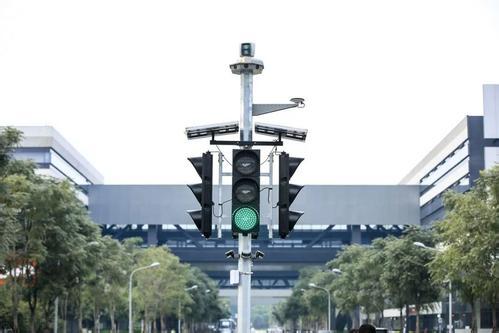 从背道而驰到趋于大同,阿里百度的自动驾驶技术路线经历了什么?