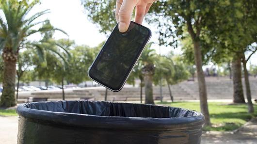 调查称智能手机将在5年内消失
