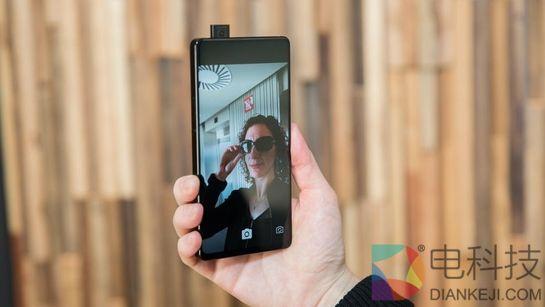 安卓之父嘲讽国产手机:vivo Apex的全面屏设计是我们去年的专利