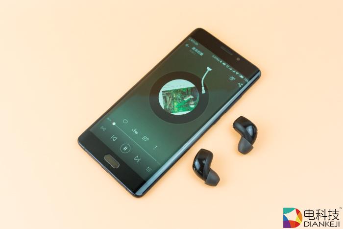 联想Air无线蓝牙音乐耳机:科技气息满载,摆脱线控束缚,性能不降反升