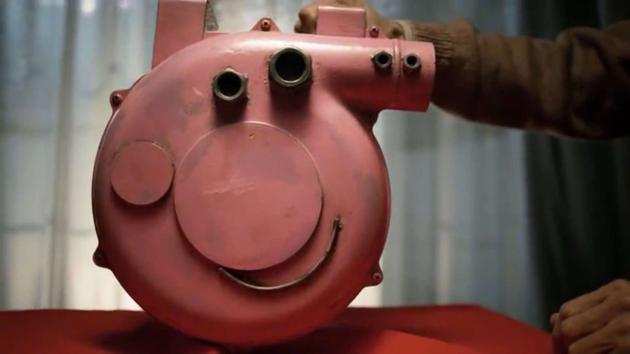 《小猪佩奇过大年》宣传片引热议 老爷爷打造硬核佩奇