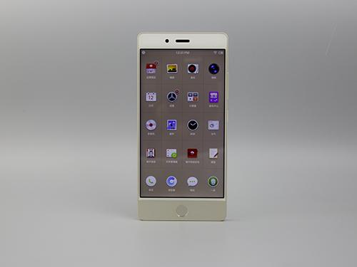 坚果 Pro 手机浅金色图赏:大红大金过后的高冷情怀