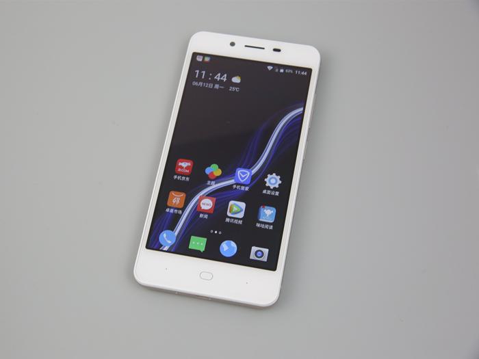 超高性价比打造手机娱乐大杀器 看红辣椒4A如何颠覆百元机市场